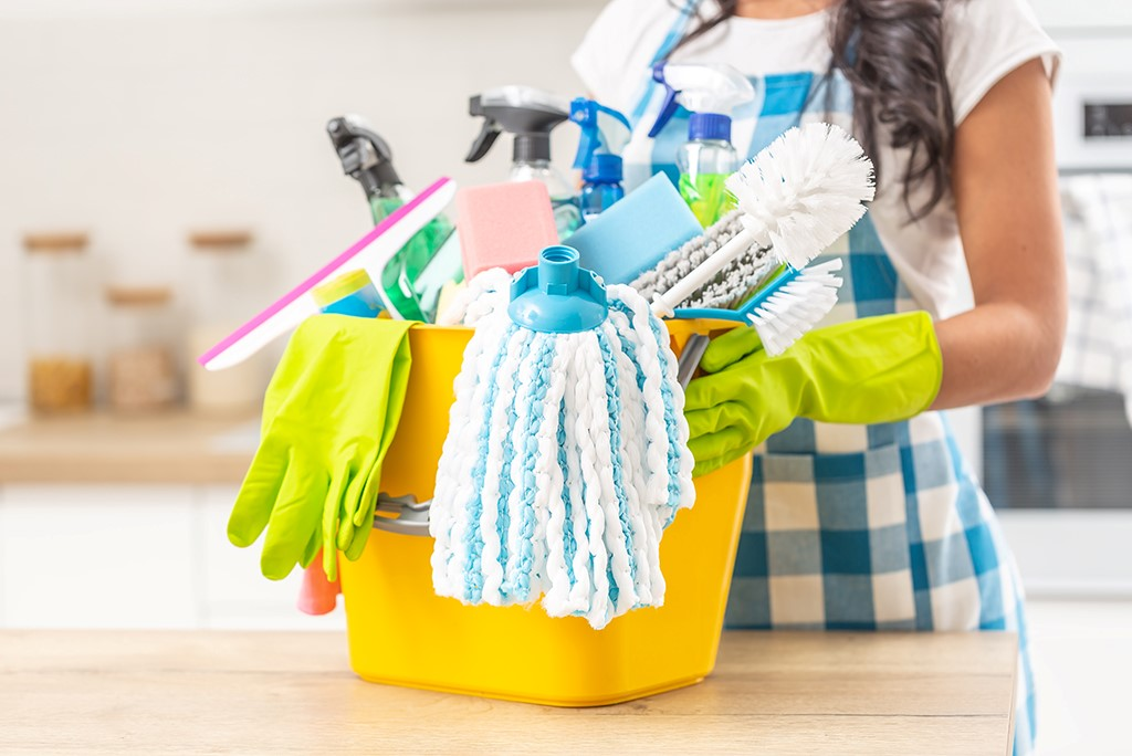How to start a cleaning service company in Dubai?
